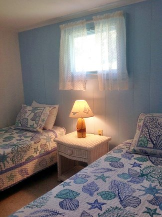Wellfleet Cape Cod vacation rental - Twin bedroom