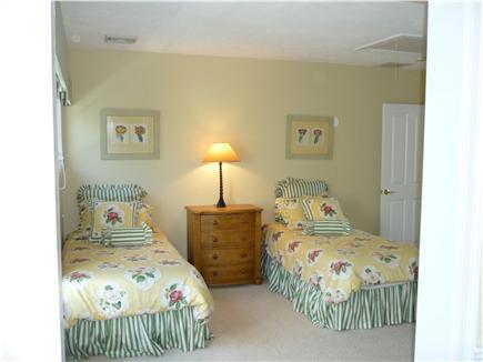 New Seabury, Maushop Village New Seabury vacation rental - Upstairs BR as twins
