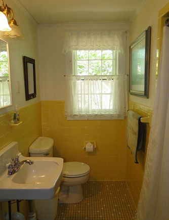 Eastham Cape Cod vacation rental - 2 Bathrooms, lower level bath with tub