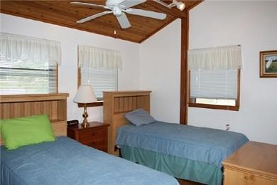 Wareham MA vacation rental - Bedrom 2 (twin beds)