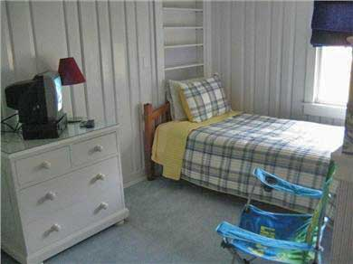 Harwich Port Cape Cod vacation rental - Twin bedroom