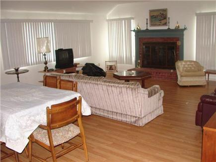 Mashpee, Popponesset Cape Cod vacation rental - Picture of the vaulted ceiling living room