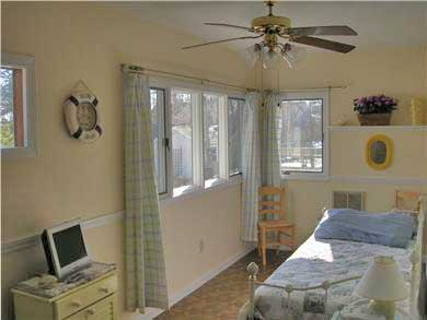 Mashpee, Popponesset Cape Cod vacation rental - First floor den with daybed