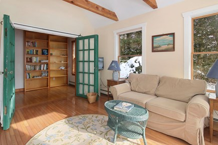 Falmouth - Quissett Harbor Cape Cod vacation rental - Sun room
