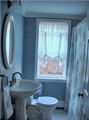 Dennis Port Cape Cod vacation rental - Main bathroom