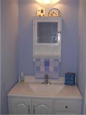 Mashpee, Popponesset Cape Cod vacation rental - Blue half bath.