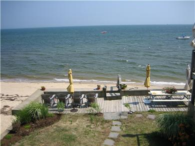 Provincetown Cape Cod vacation rental - Picnic right on the water