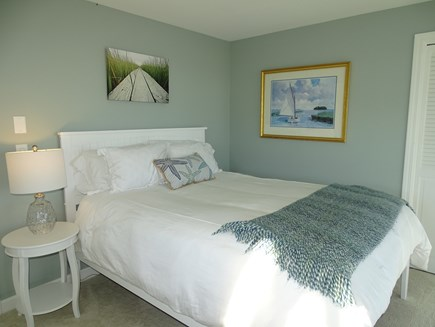 North Chatham, Beach, w Kayaks Cape Cod vacation rental - Guest Queen, with power base new Memory Foam hybrid bed, 2020