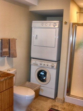 Wellfleet Cape Cod vacation rental - Master-bath en suite with laundry