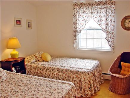 Near Lighthouse beach/Chatham Cape Cod vacation rental - Upstairs Twin bedroom
