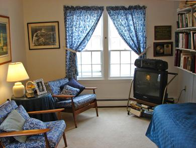 Near Lighthouse beach/Chatham Cape Cod vacation rental - Main floor library with television