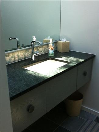 Wellfleet Cape Cod vacation rental - First floor bath