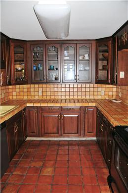 Wellfleet, south of town cente Cape Cod vacation rental - Beautifully Tiled Kitchen with Stainless Appliances (1st floor)
