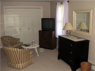Centerville Centerville vacation rental - 1st floor bedroom sitting area