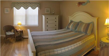 Yarmouth Port Cape Cod vacation rental - Master Bedroom - Bed