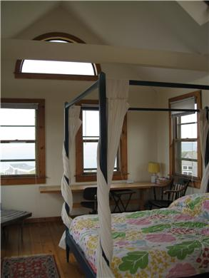 Wellfleet, Oceanfront Nat'l Seashore dune Cape Cod vacation rental - Upstairs bedroom
