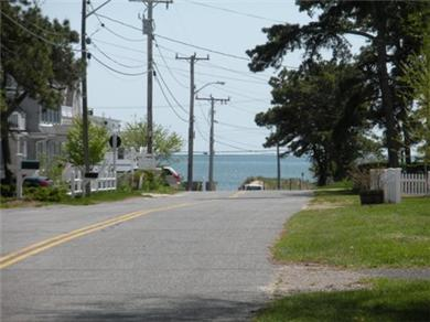 Dennisport Cape Cod vacation rental - View from driveway