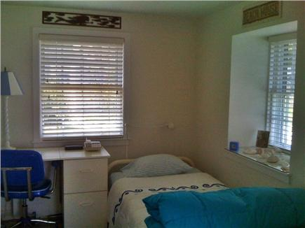 Wellfleet Cape Cod vacation rental - Right bedroom with twin bed