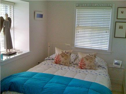 Wellfleet Cape Cod vacation rental - Left  Bedroom with queen bed
