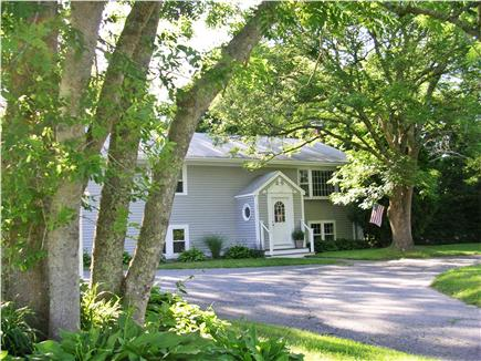 barnstable Cape Cod vacation rental - Pretty front yard with semi-circular Driveway