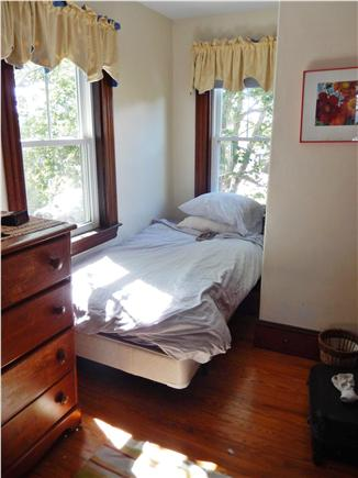 Woods Hole Woods Hole vacation rental - Bedroom: twin bed