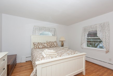 Bourne, Buzzards Bay Cape Cod vacation rental - Bedroom on the main level