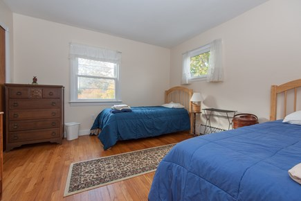 Bourne, Buzzards Bay Cape Cod vacation rental - Twin beds on the main level