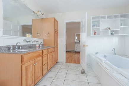 Bourne, Buzzards Bay Cape Cod vacation rental - Second floor Jacuzzi tub between master suites