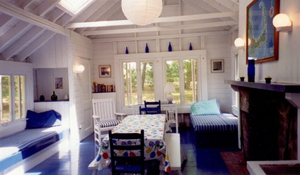 Ashumet Pond, Mashpee Cape Cod vacation rental - Living/dining room