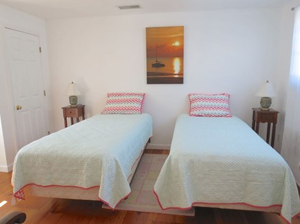 Brewster Cape Cod vacation rental - Twin bedroom, second level