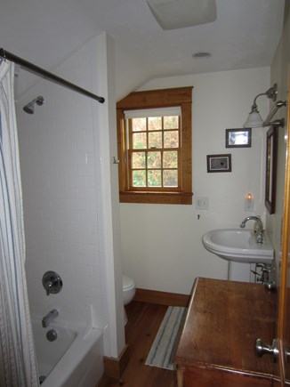 East Dennis Cape Cod vacation rental - The full Bathroom in the Bedroom