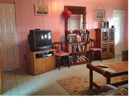 Walk to Wellfleet Ctr. Cape Cod vacation rental - Living room