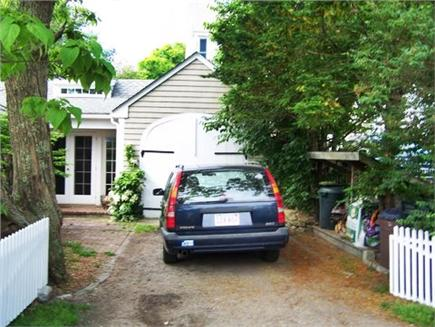 Provincetown Cape Cod vacation rental - Garage/driveway