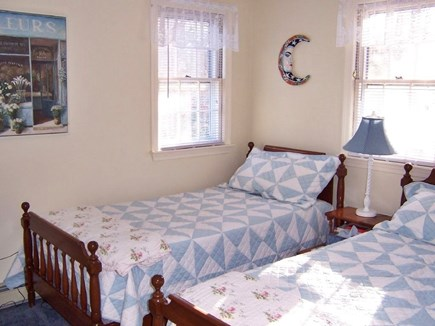 Brewster Cape Cod vacation rental - Twin beds, air conditioner, TV DVD (upstairs, full bath in hall)
