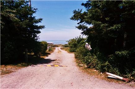 Barnstable, Cummaquid Cape Cod vacation rental - Walk to beach