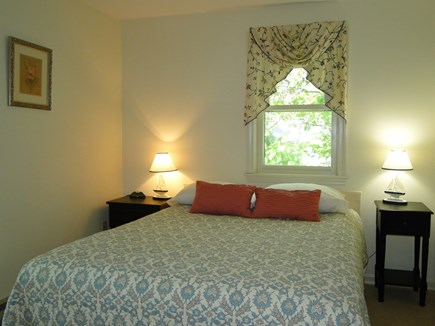Centerville, Barnstable Centerville vacation rental - Queen bedroom upstairs