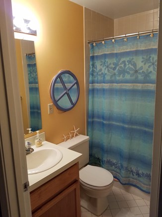 Brewster Cape Cod vacation rental - Full second bath