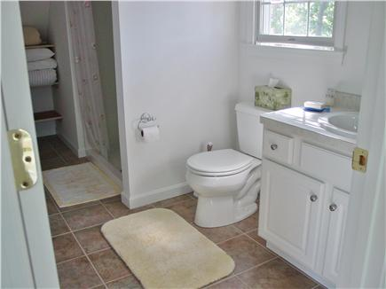 Wellfleet Cape Cod vacation rental - Bathroom