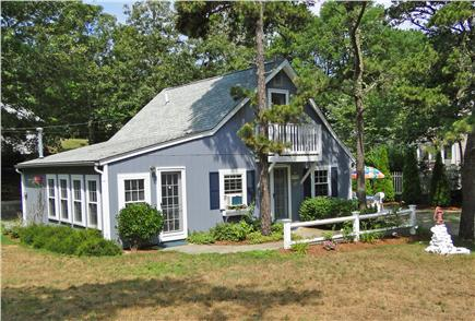 Harwich near restaurants, shop Cape Cod vacation rental - Quiet neighborhood on corner lot