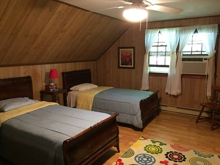 Chatham Cape Cod Vacation Rental Twin Bedroom Upstairs
