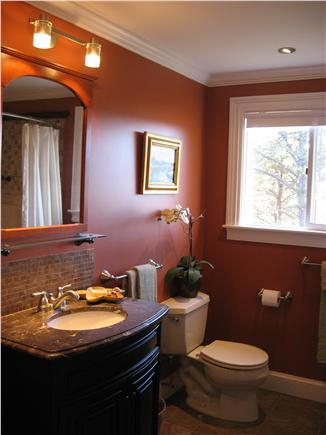 Brewster Dennis town line Cape Cod vacation rental - Main Floor Bath (has jetted tub)
