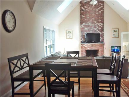 New Seabury New Seabury vacation rental - Casual Pup Seating for 6