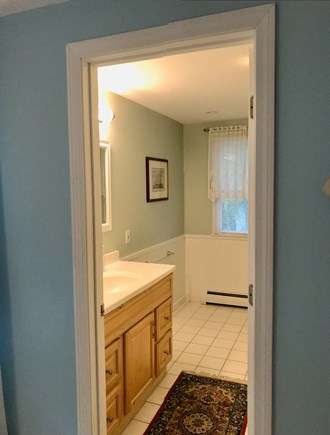 Mashpee, Popponesset Cape Cod vacation rental - Private master bath