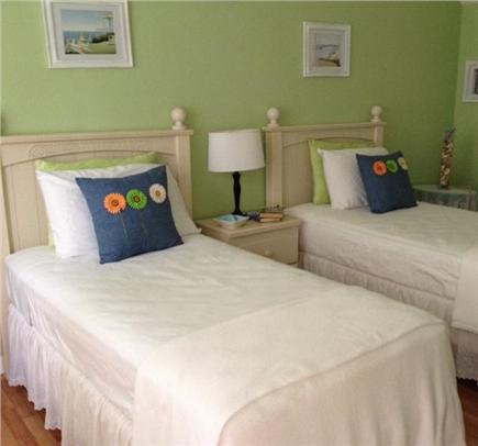 Hyannis Cape Cod vacation rental - Third Bedroom - (2) twin beds