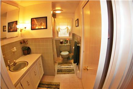 Eastham Cape Cod vacation rental - Main bathroom
