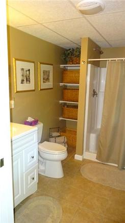 Onset MA vacation rental - Master bath with large walk