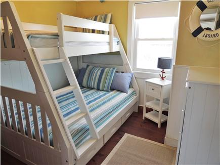 Sagamore Beach, Sandwich Sagamore Beach vacation rental - Kid Beds on Beach Level (twin over full)