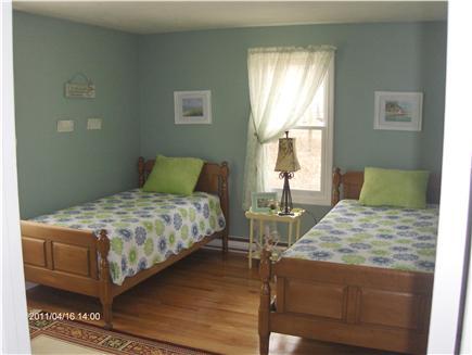 Dennis Cape Cod vacation rental - Twin bedroom