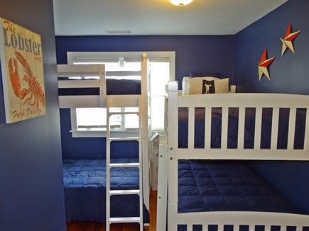 Dennis Port Cape Cod vacation rental - ''Old Glory'' 2x sets twin bed bunk room (sleeps 4)