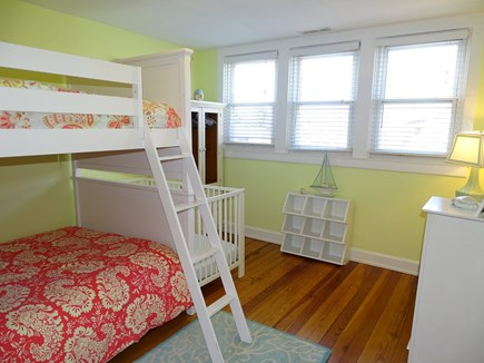 Dennis Port Cape Cod vacation rental - ''Nantucket'' 2x full bed bunk room (sleeps 4)